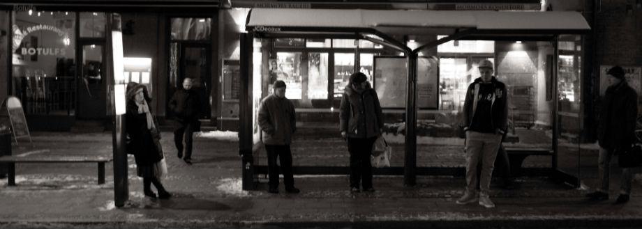 Vinter ved busstoppestedet