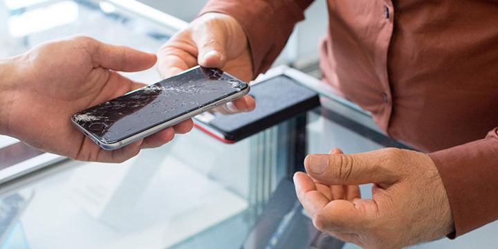 Få repareret din telefon i Glostrup Shoppingcenter